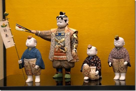 桃太郎の木目込(きめこみ)人形