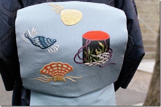 貝の刺繍の帯<前編>