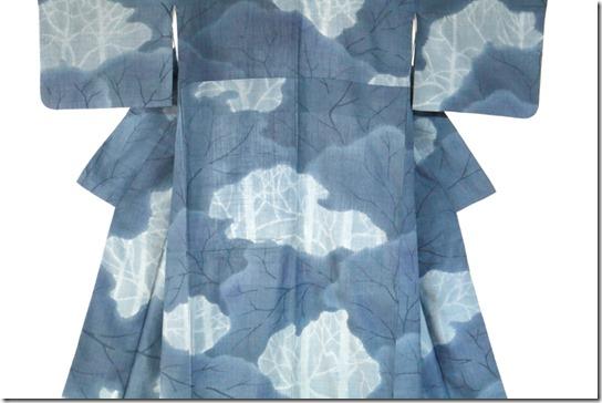 藍染め結城紬の訪問着・花の季節のきものを考える