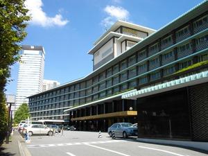 1920px-Hotel_Okura_Tokyo